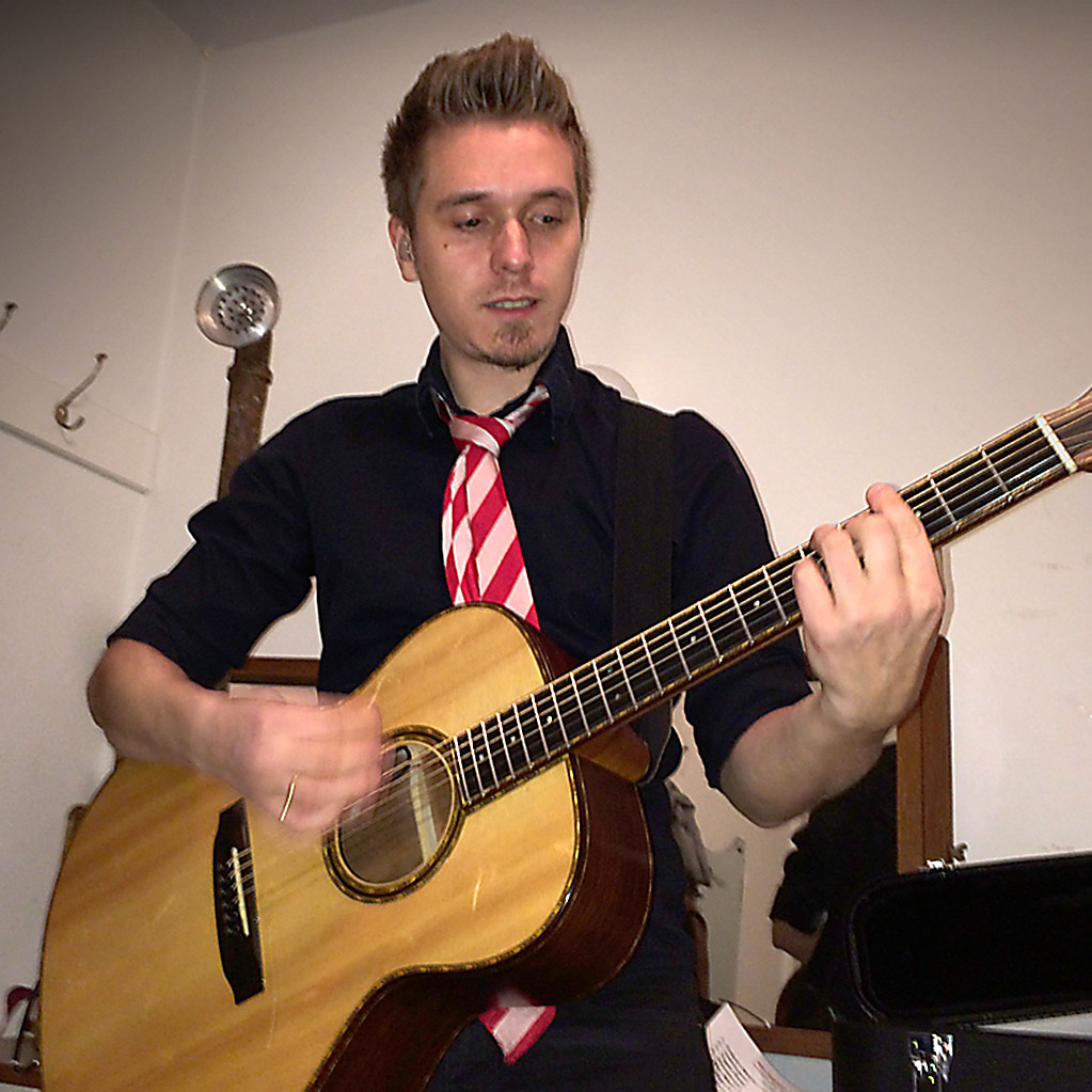 Daniel Schramm Guitar Vocal